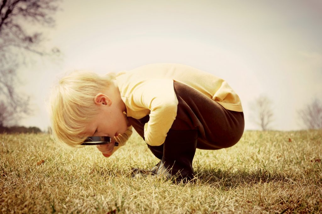 This image has an empty alt attribute; its file name is iStock-492499085-child-magnifying-glass-1024x682.jpg